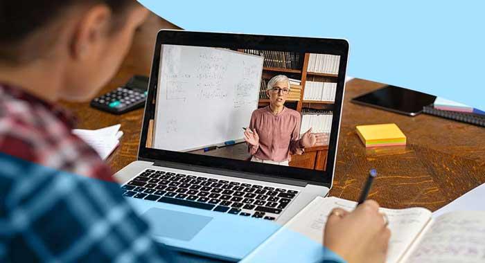 Microsoft forma i docenti per l'aula digitale
